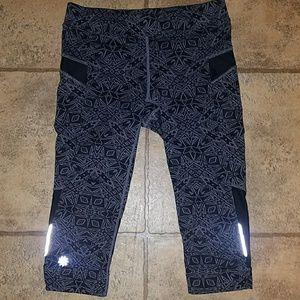 Athleta sz x-small Athleta crop leggings blk/gray